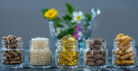 Medycyna naturalna w postaci suplementów – co warto wiedzieć?